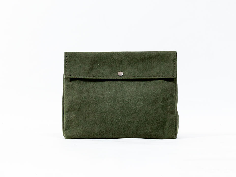 Tiny Foremd_pouch_m